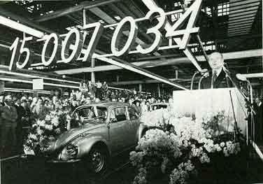 Volkswagen celebra que supera la producción del Ford T