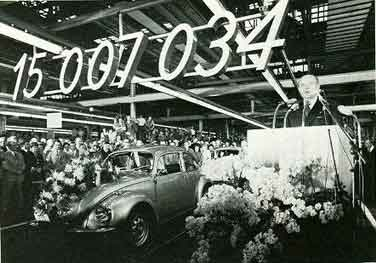 Volkswagen surpasses production of the Ford T.