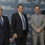 Xavier Gisbert and Vicente Martín taking CLR innovative SME Award