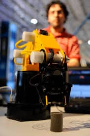 Robotic arm applied to educational robotics