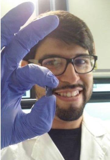 Nanobatería basada en energía mecánica