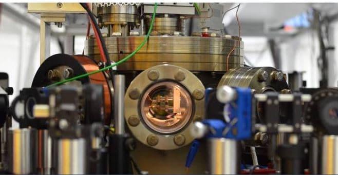 smallest heat engine