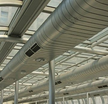 Airflow orientation system in tubular air conditioning